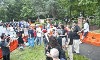 Protesters-at-the-Bilderb-008