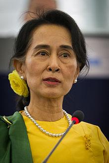 Remise_du_Prix_Sakharov_-_Aung_San_Suu_Kyi_Strasbourg_22_octobre_2013-18