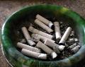 Der Aschenbecher ist Zeuge: alle 8 Minuten eine Zigarette