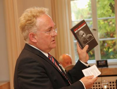 Prof-Dr-Winfried-Weber-fuehrt-ein