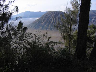 Blick ins Tal vor dem Mt. Bromo.