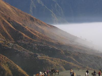 Am Fuß des Mt. Bromo