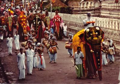 Kandy Perahera Ceylon Tourist Board<br /> Monte Miau Schelle Schelle Helau<br /> Postkarten im Abo - Gr&uuml;sse machen froh.
