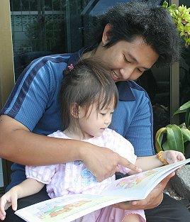 Gor mit seiner Tochter Nong Grace