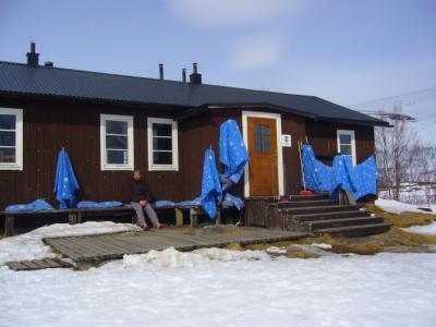 Frühlingsputz auf der Kaitumjaure-Hütte