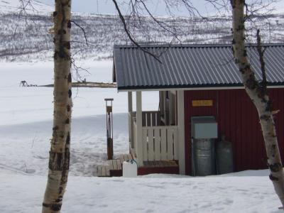"""Die Saunahütte am Teusajaure, der """"heißeste"""" Platz Lapplands"""