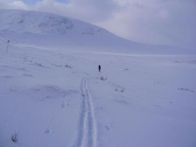 Heute können wir eine neue Spur im Schnee ziehen