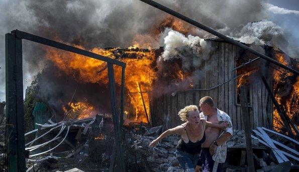 Huette-brennt-Ostukraine