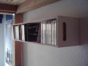 cd-regal trissa. eine liebe zur musik an der wand.