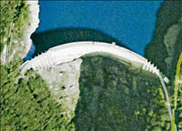 goldeneye-bungee-jump-dam-verzasca