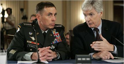General Petraeus und Botschafter Crocker vor dem Auswärtigen Ausschuss.