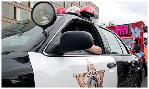 Amerikanischer Polizeiwagen im CSD Berlin
