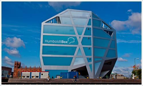 Humboldtbox auf dem Schlossplatz
