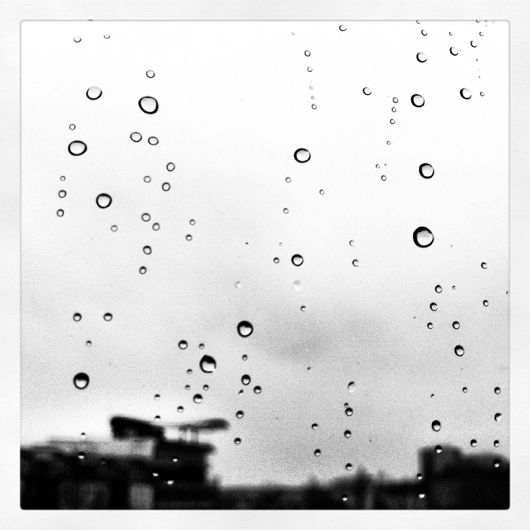 Regentropfen am Fenster