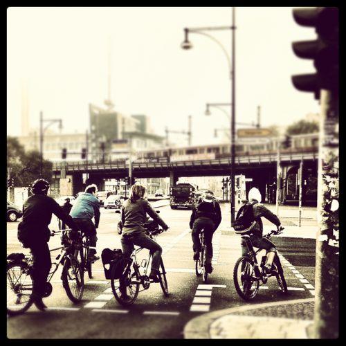 Radfahrer an Ampel