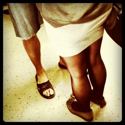 Beine von zwei Personen