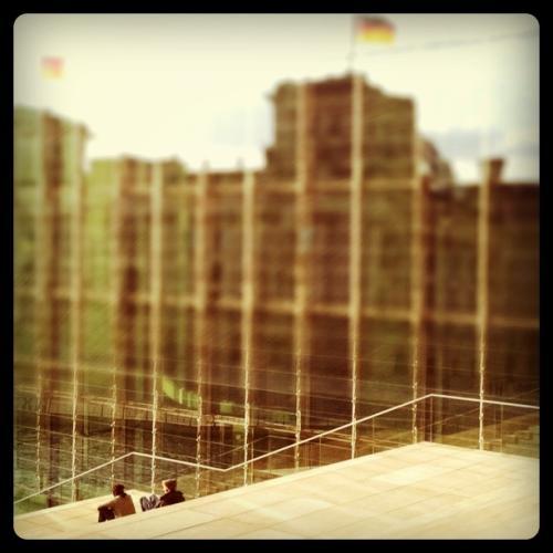 Spiegelung des Reichstags