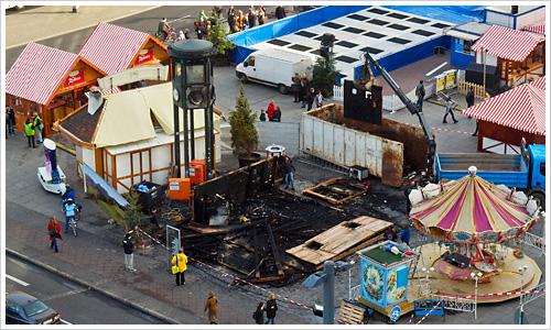Abgebrannte Hütte auf dem Potsdamer Platz