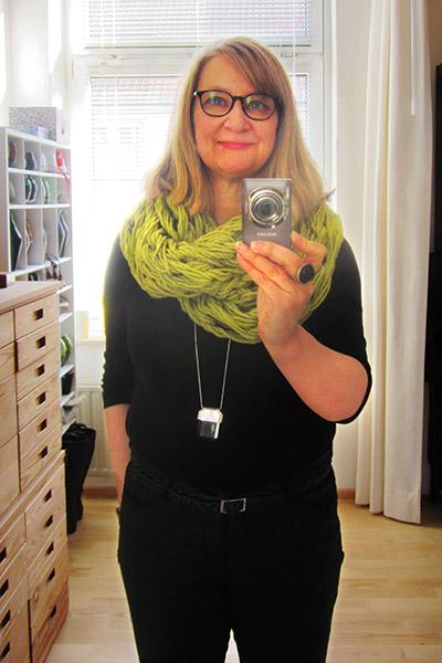 Armknitted scarf by wollvictim