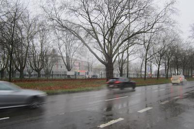 B1 Dortmund Westfalenhalle bei Regen