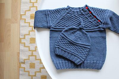 Kinderpullover und Muetze Drops Design