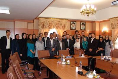 Gruppenbild-in-der-diplomatischen-Akademie-Teheran2